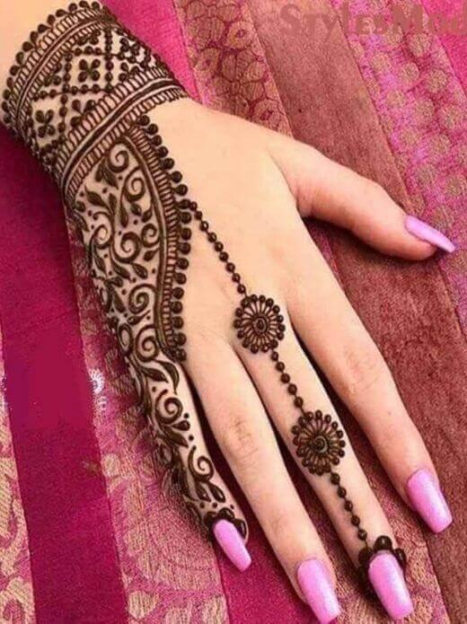 chain style mehndi for Ramadan