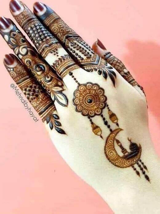 new fashion mehndi designs