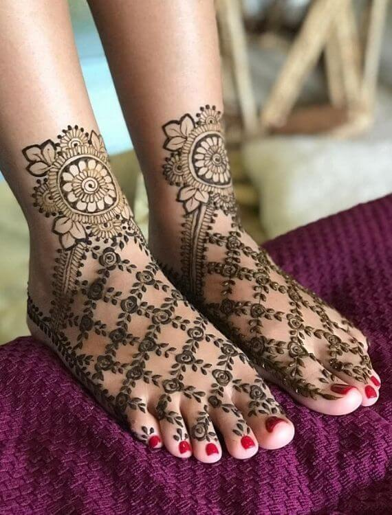 Designed Henna Mehndi Design for Feet