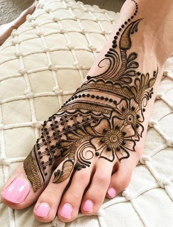 Dulhan Feet Mehndi Designs
