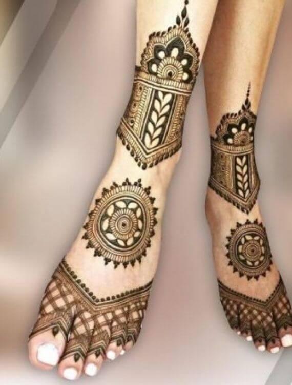 Floral Feet Mehndi