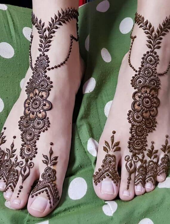 Flower mehndi designs on feet