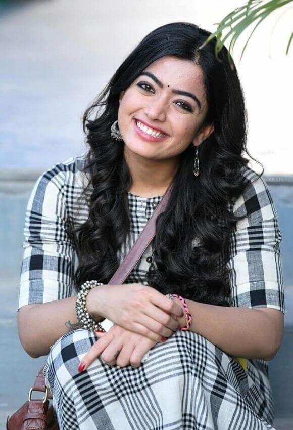 Rashmika mandaana with smile