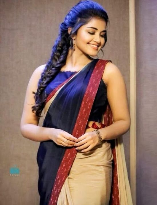 anupama parameswaran sleeve less blouse design saree