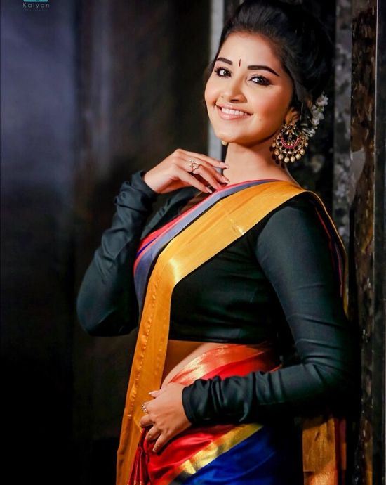 anupama parameswaran with full hands blouse saree