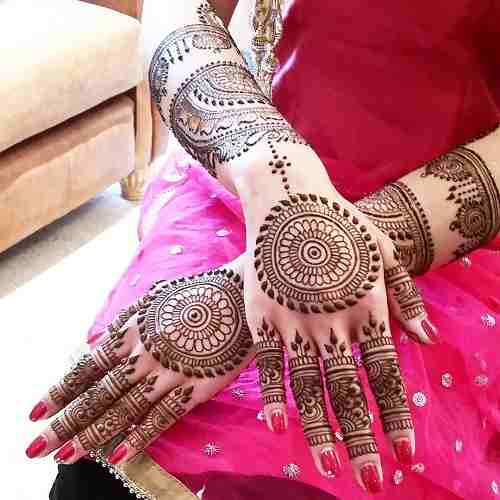 Arabic Circle Mehndi For Back hands