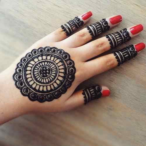 Thick And simple Round Mehndi with Red Nail Polish