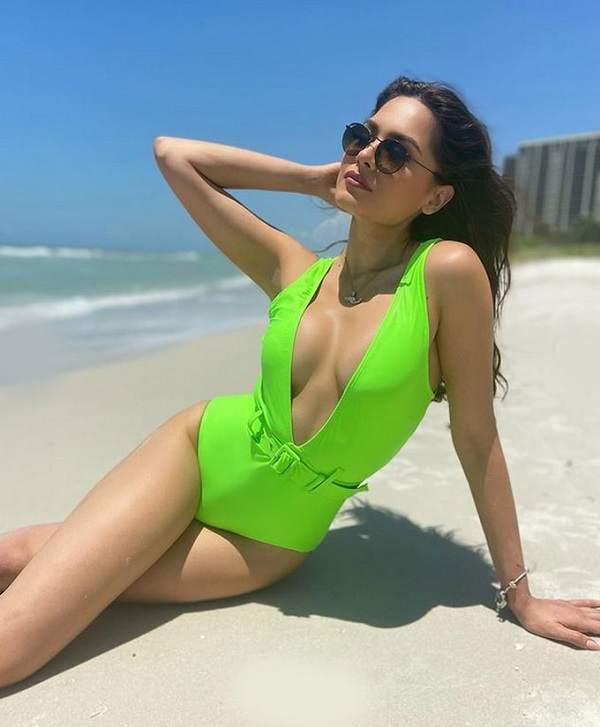 Andrea Meza At Beach Hot looks
