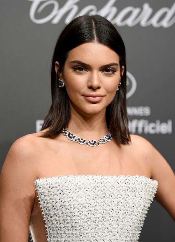 Kendall Jenner with Shoulder Length Haircuts