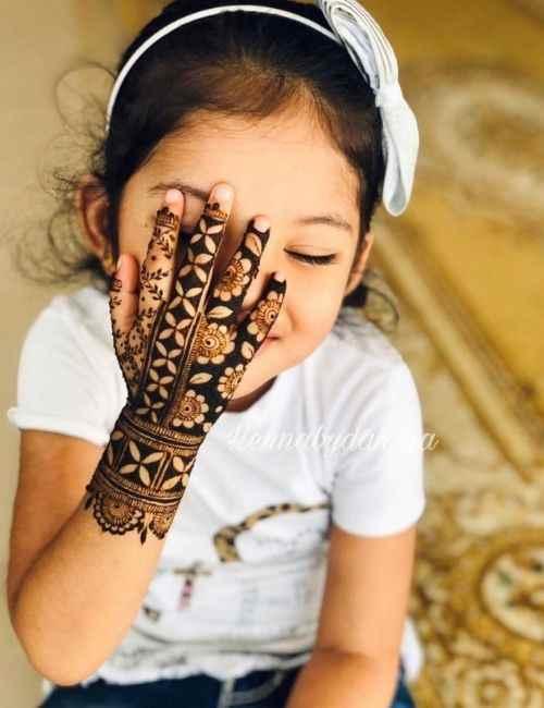 Cute Backhand Mehndi Designs for Kids