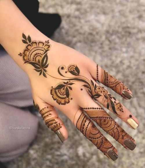 Floral touch Back Hand Mehndi