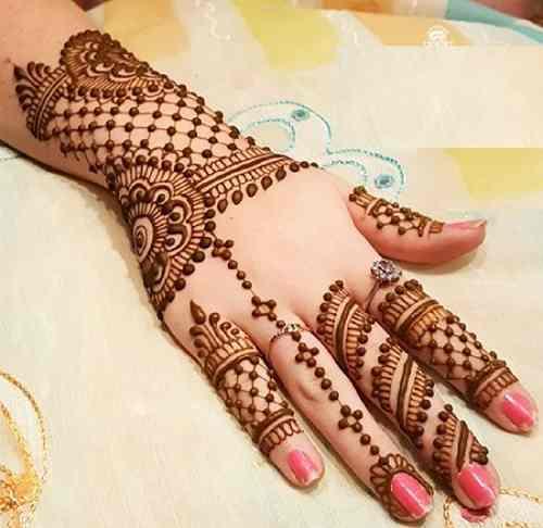 Pushed-Arabic-Bail-Mehndi-Design