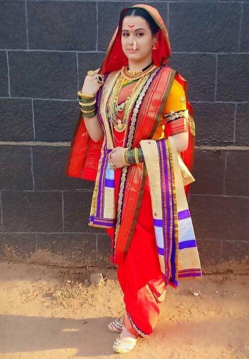 Saree daping in Marathi Style